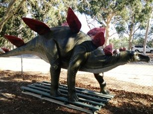 Garden and fish centre. Huge animals & dinosaurs canningvale.