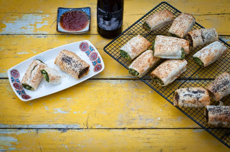 GourmetGirlfriend: Sausage rolls (Vego & Meat versions): The Perfect School Holiday food