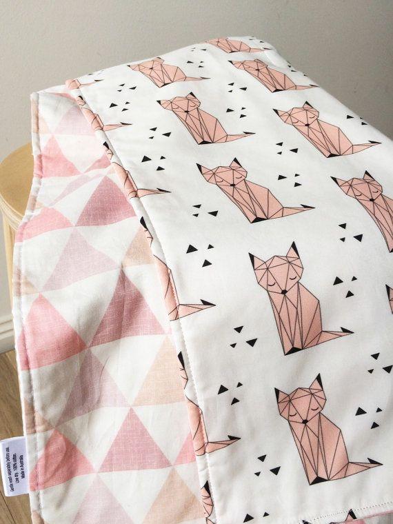Geo fox pink modern cot quilt. Reversible crib blanket. Pink triangles. Geometric. Nursery blanket.