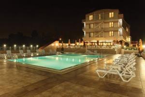 #Otel #Oteller #OtelRezervasyon - #Darıca, #Kocaeli - NorthStar Resort & Otel Bayramoglu Darıca - http://www.hotelleriye.com/kocaeli/northstar-resort-otel-bayramoglu-darica -  Genel Özellikler Bar, 24-Saat Açık Resepsiyon, Gazeteler, Bahçe, Teras, Sigara İçilmeyen Odalar, Asansör, Hızlı Check-In/Check-Out, Emanet Kasası, Ses Yalıtımlı Odalar, Isıtma, Tasarım Otel, Bagaj Muhafazası, Klima, Özel Sigara İçilir Alan, Restoran (alakart), Snack Bar, Güneş