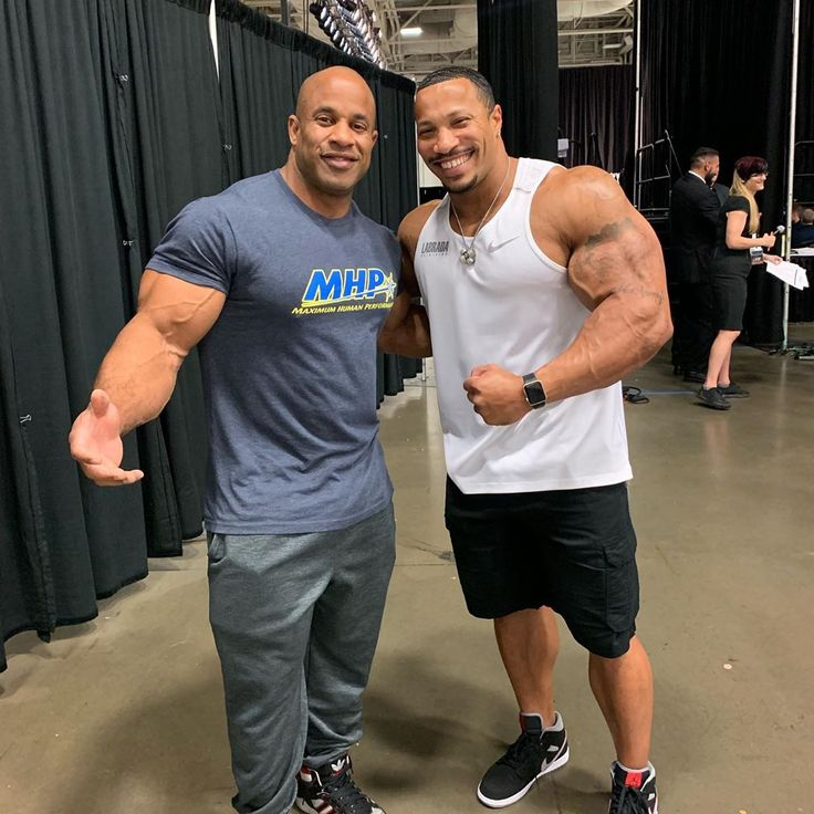 Patrick Moore Looking Small Next To Victor Martinez How Do Yall Think Hes Going To Fare At The Olympia Will His Aes Fitness Blogger Fitness Goals Fun Workouts