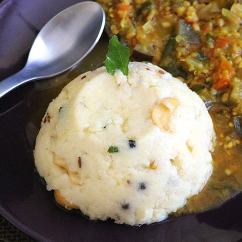 Rava Pongal is an extremely simple yet super flavorful, healthy and delicious South Indian breakfast made from sooji/semolina and moong dal.