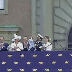 Princess Estelle and her uncle, Prince Carl Philip being the cutest cupcakes during the King Carl Gustaf's 70th birthday celebrations in Sweden. You don't need two hands to clap: there is another way, high five!!