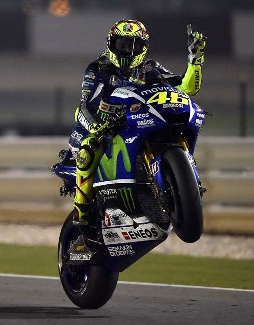 262 best images about valentino rossi on pinterest marc marquez ducati and racing. Black Bedroom Furniture Sets. Home Design Ideas