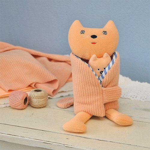 "Cat mom / (C) ""wrap doll"" by Šapito"
