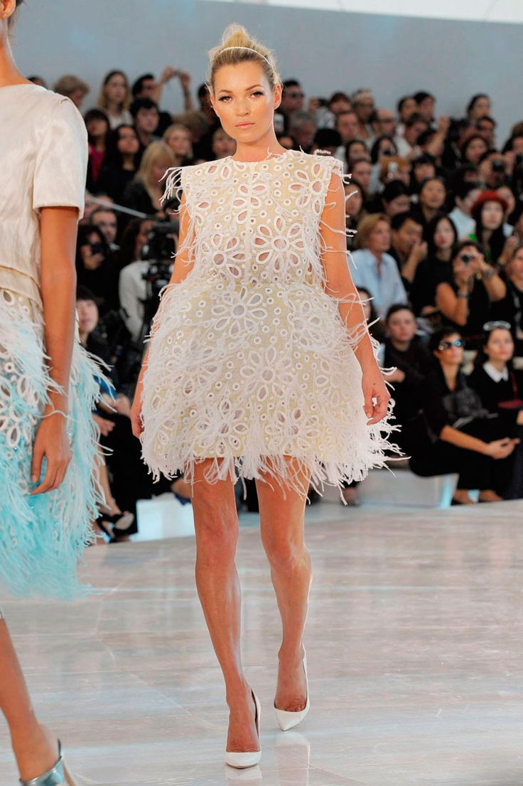 The dress is chanel - Kate Moss Is Utter Perfection In Lv Spring 2012 The Dress Is A Delicious Piece