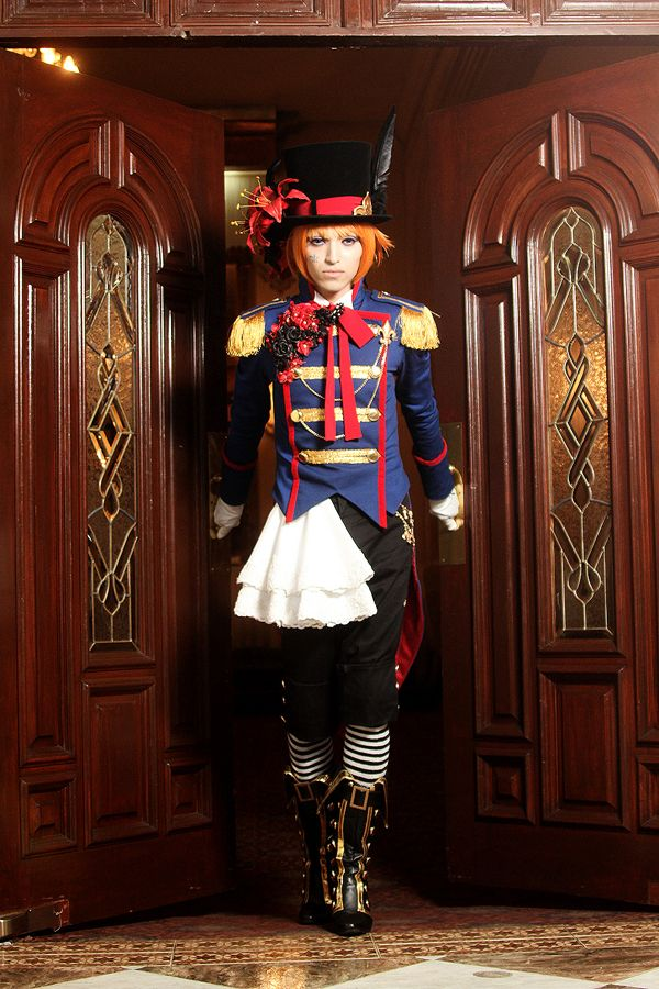 GoBoiano - 24 Black Butler Cosplays That Are Devilishly Good