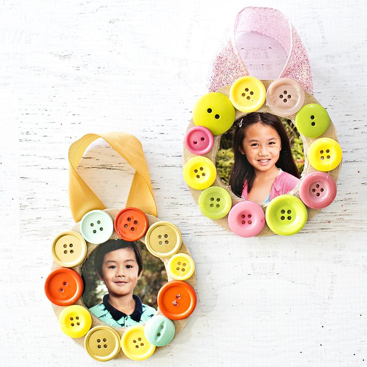 hello, Wonderful - DIY BUTTON PHOTO WREATH ORNAMENT