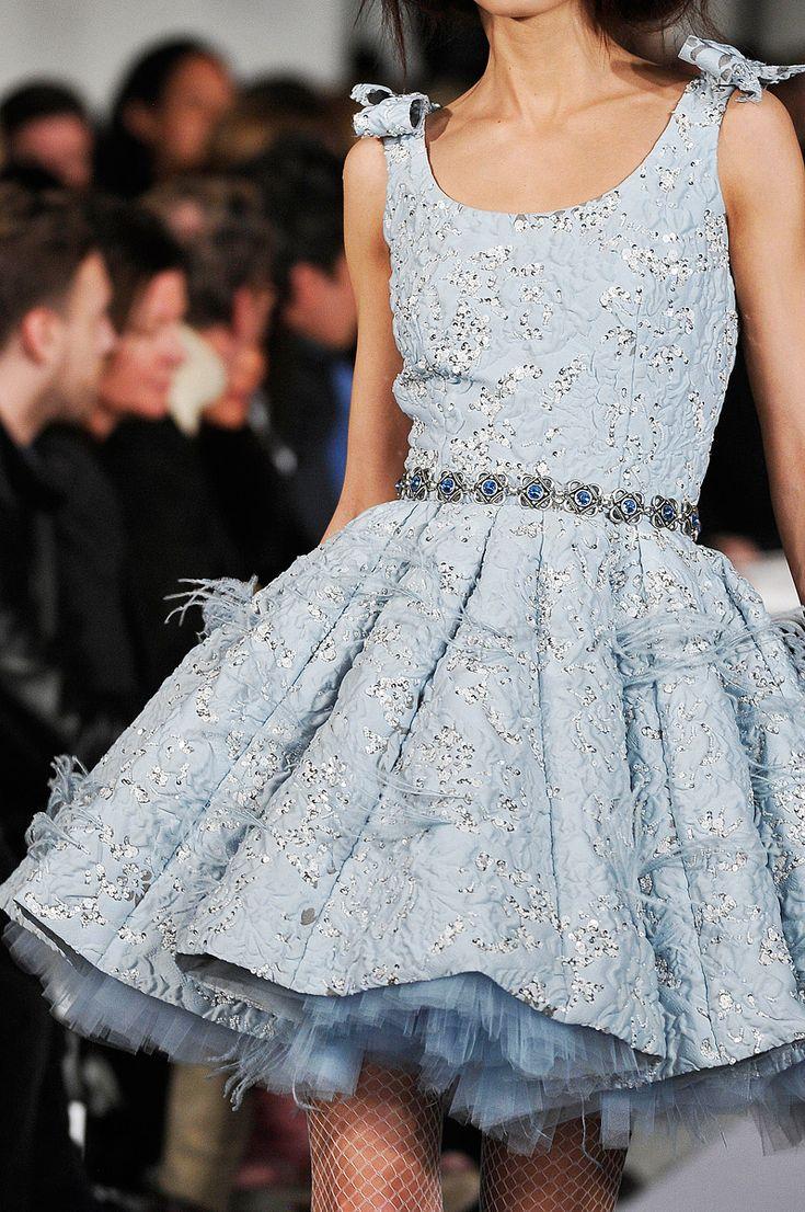 Oscar de la Renta Fall 2012 -- so fun!Baby Blue, Minis Dresses, Fashion Weeks, Cocktails Dresses, Couture Gowns, Income, Oscars, Lace Dresses, Haute Couture
