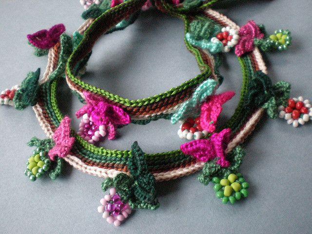 Garden of Eden Freeform Crochet Necklace   Flickr: Intercambio de fotos