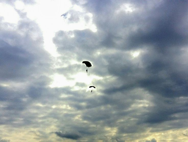 #airport #parachute #skydiving #freedome #sky
