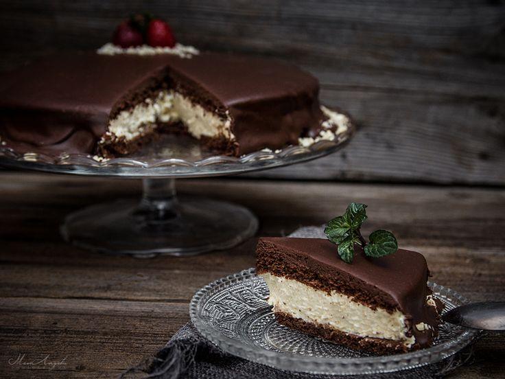 Μια τούρτα που μοιάζει με πάστα που θυμίζει γαλακτοφέτες...