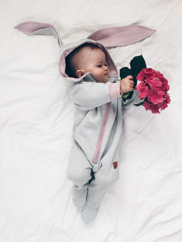 Un bouquet pour Maman ! Tenue de super lapin pour super bébé, faite main sur DaWanda.com