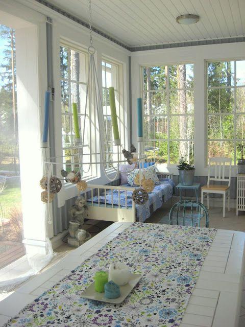 Touhua ja töminää: Sinivalkoista verannalle