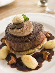 Tournedos Rossini le grand classique de la gatronomie française à base de truffe, foie gras et filet de boeuf