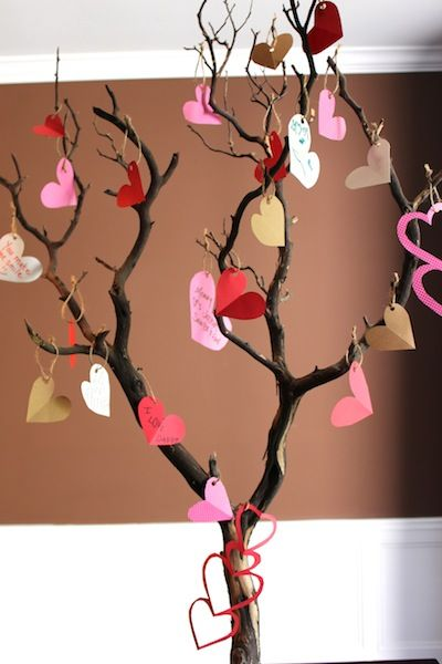 Love tree DIY, I am SO doing this roday with our girls!