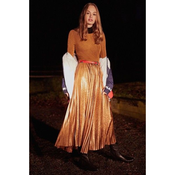 UO Gold Rush Pleated Metallic Midi Dress (520 CNY) ❤ liked on Polyvore featuring dresses, gold bodycon dress, midi bodycon dresses, long-sleeve midi dresses, long bodycon dress and long gold dress