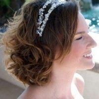"""Des détails exceptionnels """"coiffures de mariage de longueur moyenne"""" sont proposés sur notre site. Jetez un coup d'œil et vous ne le regrettere..."""