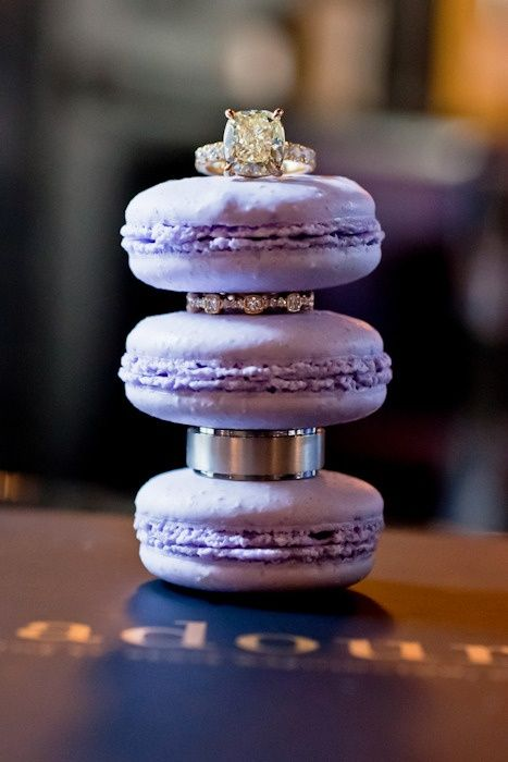 cute ring photo: Photos Ideas, Wedding Rings Photos, Floral Design, Cute Ideas, Macaroon, Rings Shots, Rings Pictures, Macaroons, Engagement Rings