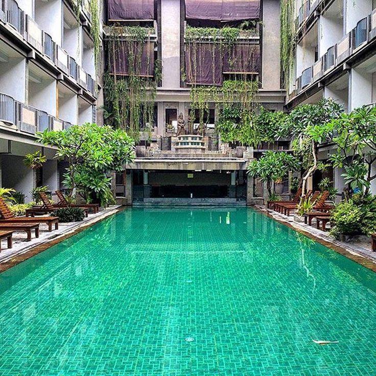 Hotel-hotel di Bali yang memiliki kamar dengan akses langsung ke kolam renang ini bakal membuat Anda merasakan nikmatnya liburan di surga tropis.