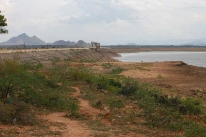 Scorching heat with a long dry spell has led to a decrease in water level in three main reservoirs of the region. The water level at Bhakra Dam was 1,567.66 feet against the maximum capacity of reservoir up to 1,680 feet. Last year on the same day it was recorded nearly 33 feet higher at 1,600.55 feet. #Punjab #News