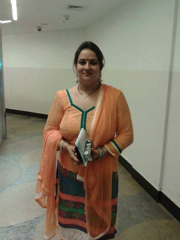 Confirm. Middle age aunty sex photo for