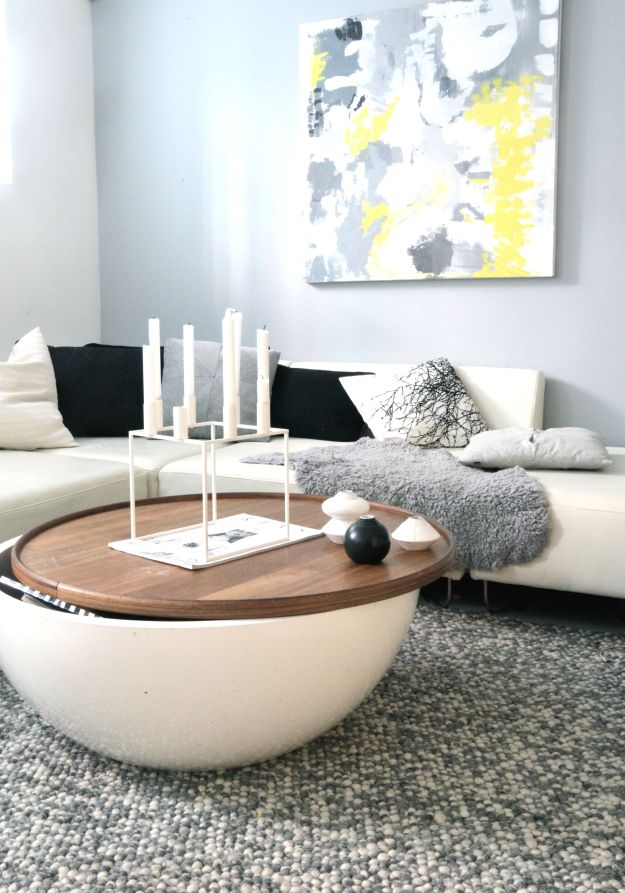 Great Coffee Table With Lots Of Storage