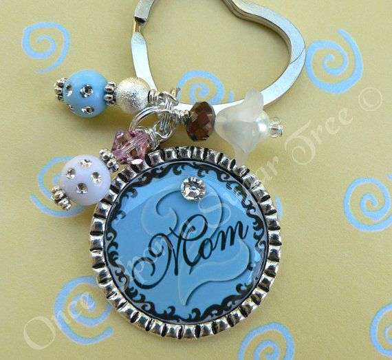 Love this bottle cap keychain! It can also be a necklace