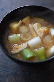 根深汁(ねぎとあげの味噌汁)の写真