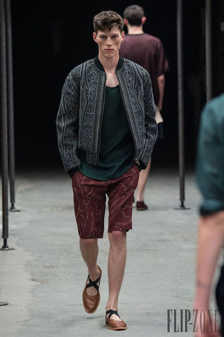 Dries van Noten Primavera-Verano 2015 - Para hombre - http://es.flip-zone.com/fashion/menswear/dries-van-noten-4781 - ©PixelFormula