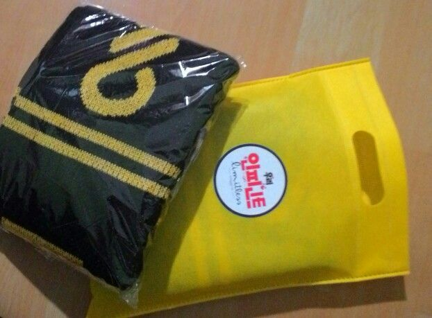 SCARF - Yellow Packaging