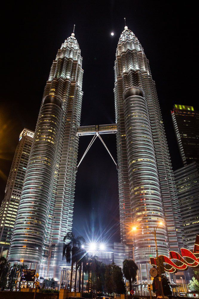 How To Visit The Petronas Towers In Kuala Lumpur Petronas Towers Kuala Lumpur Kuala Lumpur Tour