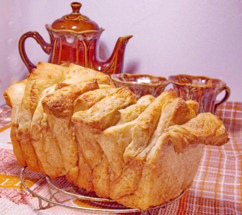 слоеный дрожжевой сладкий хлеб с корицей