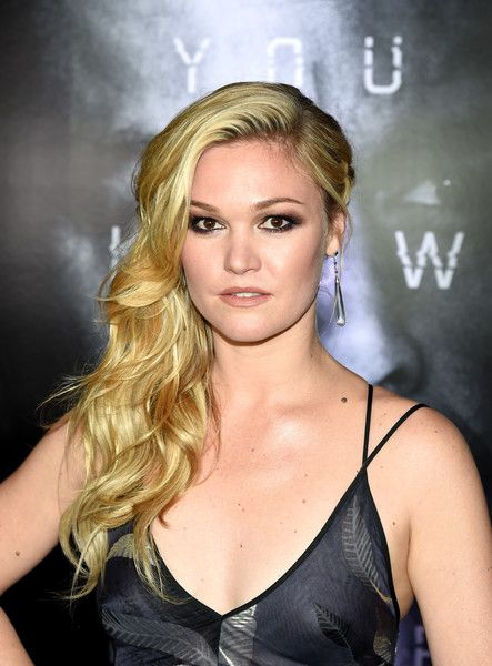 Julia Stiles attends the premiere of Universal Pictures' 'Jason Bourne' in Las Vegas.