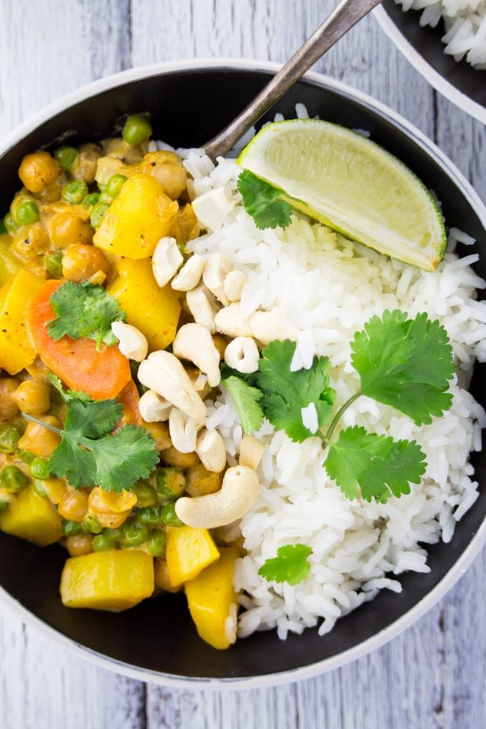 Easy Vegan Chickpea Curry with Potatoes