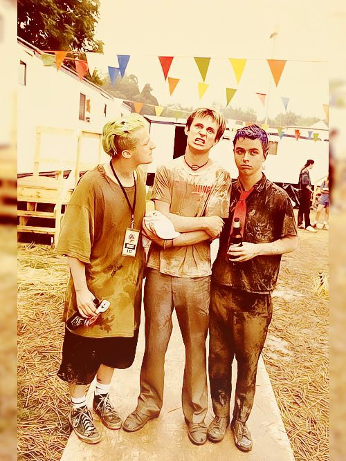 """Green Day, Woodstock 1994. The infamous mud fight. Is anyone else thinking """" wow is that mike"""" or """" wow tre is really short"""""""