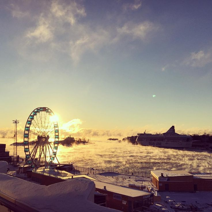 The view from the roof top of our head office building in Helsinki was stunning this chilly morning, where -18C felt like -30C! ❄️
