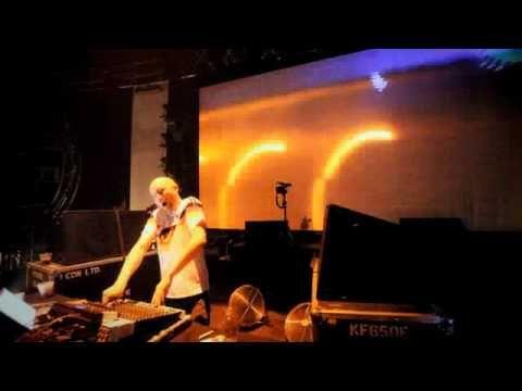 Paul Kalkbrenner - Gigahertz (Balaton Sounds) - YouTube