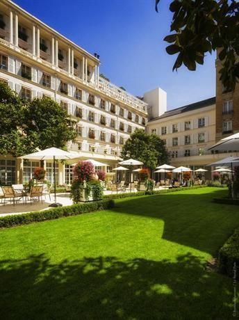 Hotel Deal Checker - Hotel Le Bristol