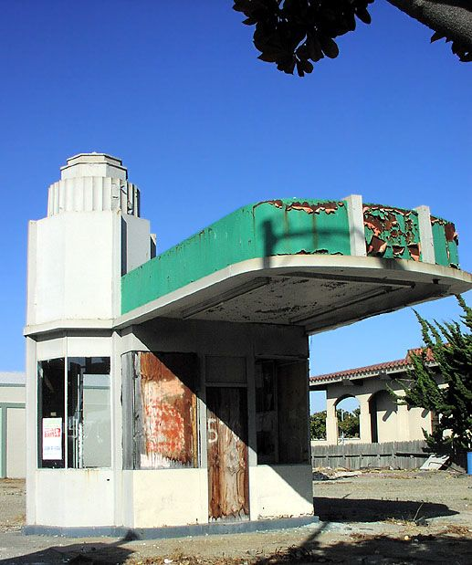 Abandoned art deco building, Watsonville, California