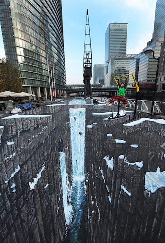 Spectacular 3D pavement art by Joe Hill and Max Lowry Alex Tass 2-Dimensional I love how the person on the right looks like he is jumping off into the water. Love this kind of art!