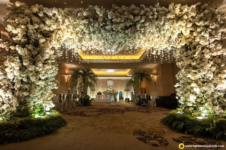 Nicholas and yoscefine wedding reception venue at hotel mulia nicholas and yoscefine wedding junglespirit Images