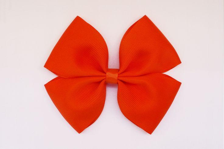 Bello lazo naranja para niñas coquetas! De 12x10cm #modavenezolana #lazos #hairbows #colitas #ganchitos #pulseras #cintillos #hechoconcariño #hechoamano #handmade #cute #hechoenvenezuela #fashion #niñas #girls #babygirl #bebe #valencia #carabobo #nuevo #new #princesitas #coquetas #venezuela