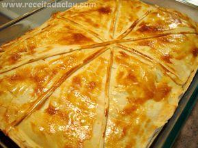 Torta Semi-folhada de frango com palmito Massa crocante a recheio cremoso. Impossível parar de comer no primeiro pedaço.