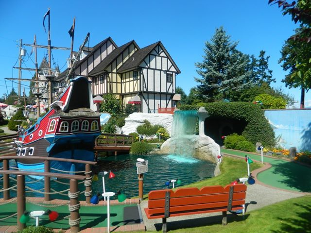 Mini Golf at Paradise Fun Park - Parksville, BC