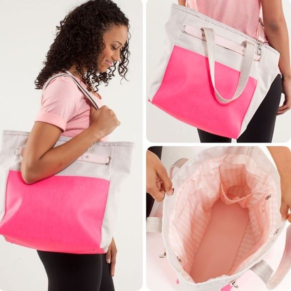 Lululemon urban oasis tote bag Lululemon urban oasis tote bag, gently used and in good condition, pretty pink colors, very spacious, bundle to save ❤️ lululemon athletica Bags