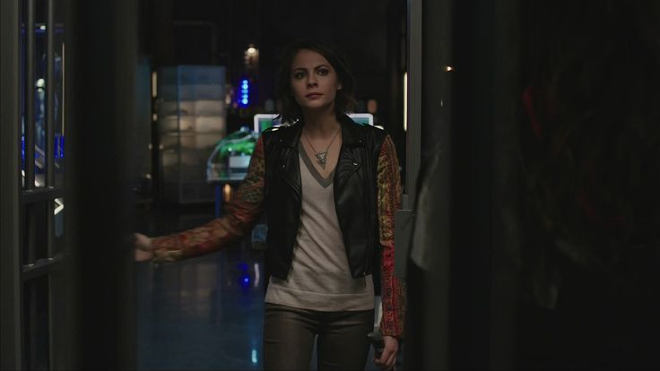 Willa Holland (Thea Queen) 2015 style, Arrow 3 season/ стиль Уиллы Холланд (Теи Куин), Стрела 3 сезон