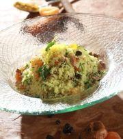 Γαλοπούλα ρολό τυλιγμένη με μπέικον, γεμιστή με φιστίκια Αιγίνης, πουρέ από χουρμάδες και σάλτσα μανιταριών | Γιάννης Λουκάκος