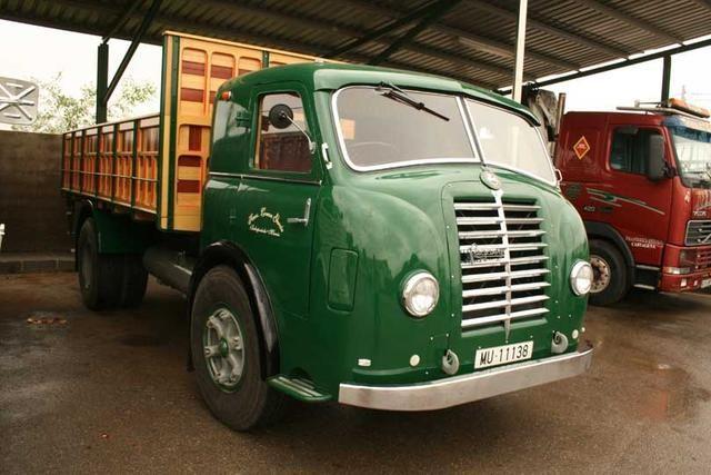 Un auténtico Pegaso Mofletes, el Tipo 1 contaba con motor de gasolina y el 2 con un diesel, ambos se basaban en los Hispano T66.
