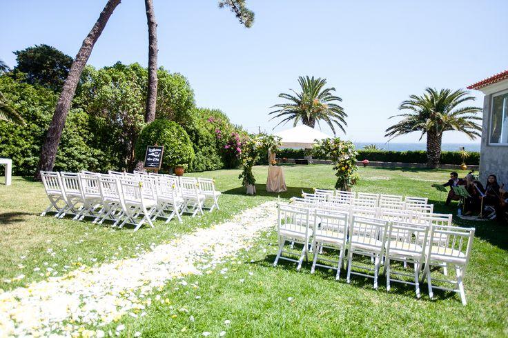 Destination wedding ceremony Photo by Catarina Zimbarra Photography #weddingceremonyportugal #destinationweddingceremonyportugal